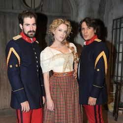 José Sospedra, Carolina Bang y Sergio Peris Mencheta en la presentación de la segunda temporada de 'Tierra de lobos'