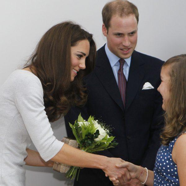 Los Duques de Cambridge reaparecen con la visita a un hospital en Surrey