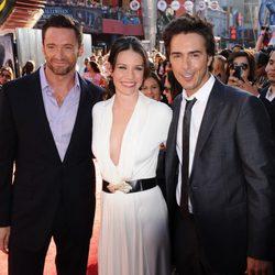 Evangeline Lilly, Hugh Jackman y Shawn Levy en el estreno de 'Acero puro' en Los Ángeles