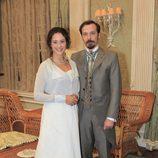 Fele Martínez y Luz Valdenebro en la serie de Antena 3 'Gran Hotel'