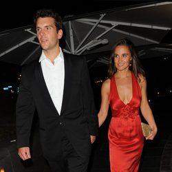 Pippa Middleton y su novio Alex Loudon en la gala benéfica Boodles Boeing Ball