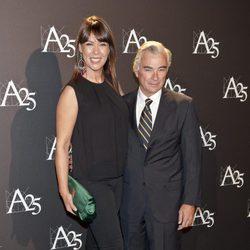 Mabel Lozano y su marido Eduardo Campoy durante un acto de la Academia de Cine