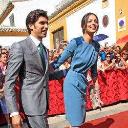 Cayetano Rivera y Eva González en la boda de la duquesa de Alba y Alfonso Díez