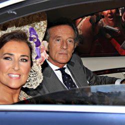 Alfonso Díez y Carmen Tello a su llegada al Palacio de Dueñas