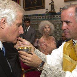 Carlos Fitz James Stuart en la ceremonia religiosa del enlace entre la Duquesa de Alba y Alfonso Díez