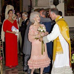 Cayetana de Alba , feliz en la ceremonia religiosa de su enlace con Alfonso Díez