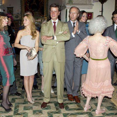 La Duquesa baila en su boda junto los invitados