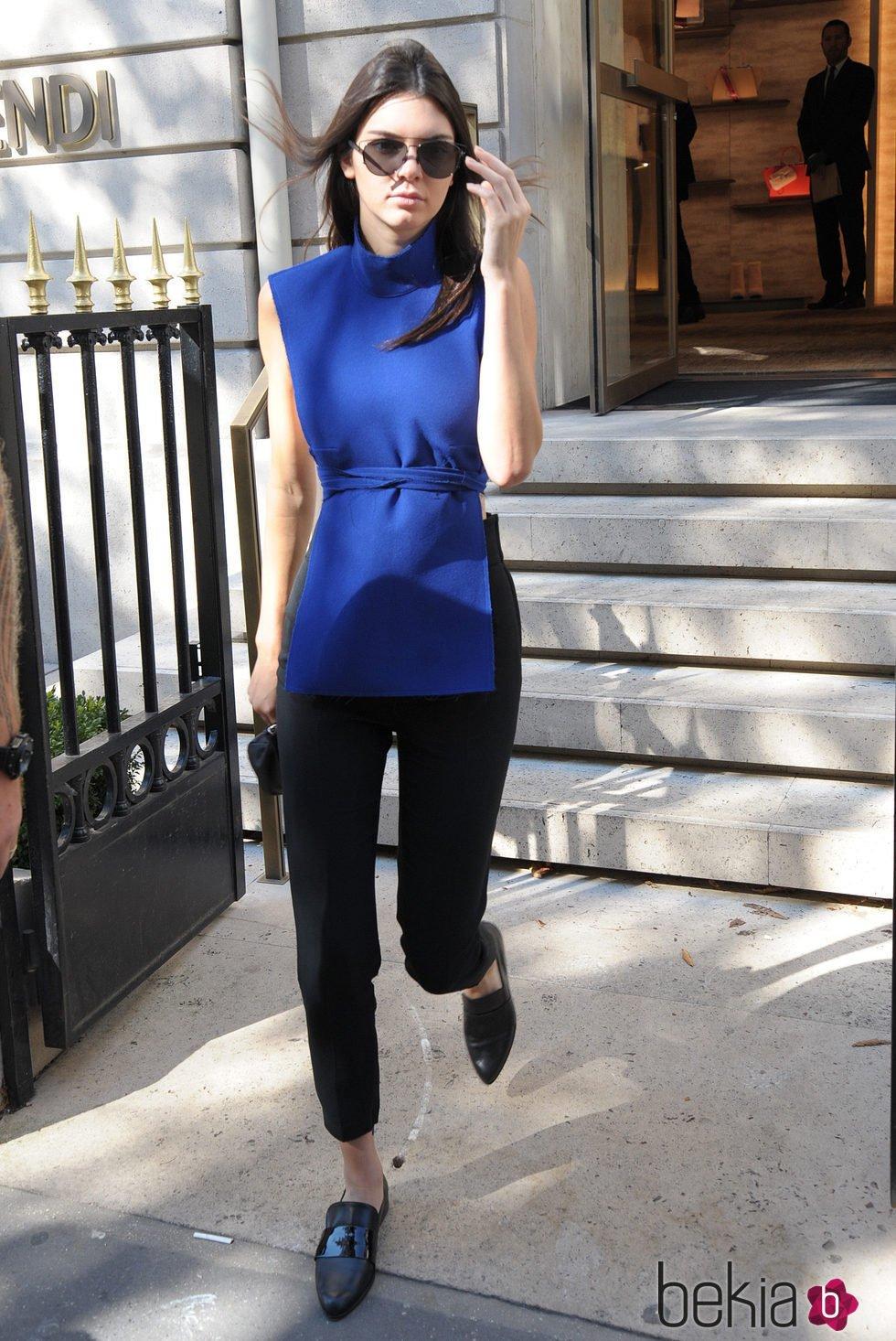 Kendall Jenner llega a París para desfilar en su Semana de la Moda primavera/verano 2016