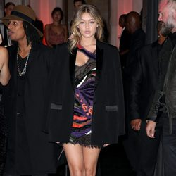 Gigi Hadid en una fiesta de Vogue en Paris Fashion Week