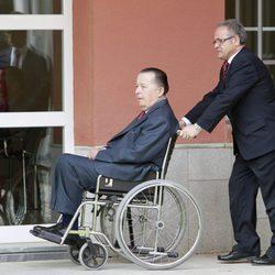 El Duque de Calabria en silla de ruedas