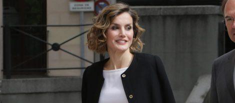 La Reina Letizia en la entrega del Premio Luis Carandell 2015