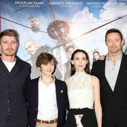El elenco de 'Pan' en el estreno de la película
