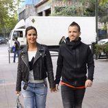 Cristina Pedroche y David Muñoz pasean cogidos de la mano