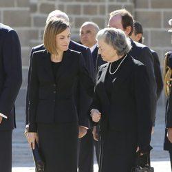 La Reina Letizia con Ana de Orleans en el funeral del Duque de Calabria
