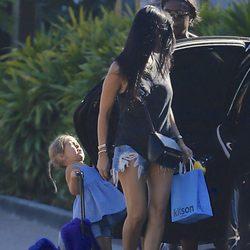 Penelope Disick se golpea durante su paseo con Kourtney Kardashian