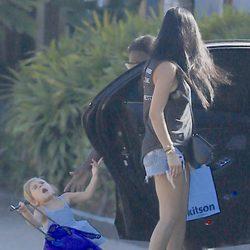 La hija de Kourtney Kardashian gime de dolor tras darse un golpe