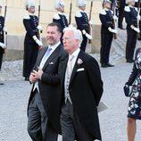 Los padrinos Gustavo Magnuson y Enrique D'Abo en el bautizo de Nicolás de Suecia