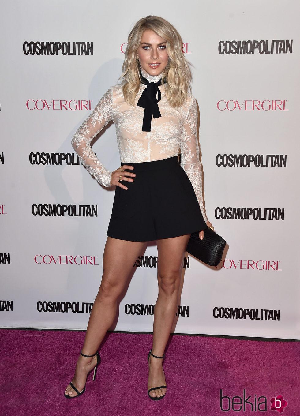 Julianne Hough en la fiesta 50 aniversario de Cosmopolitan