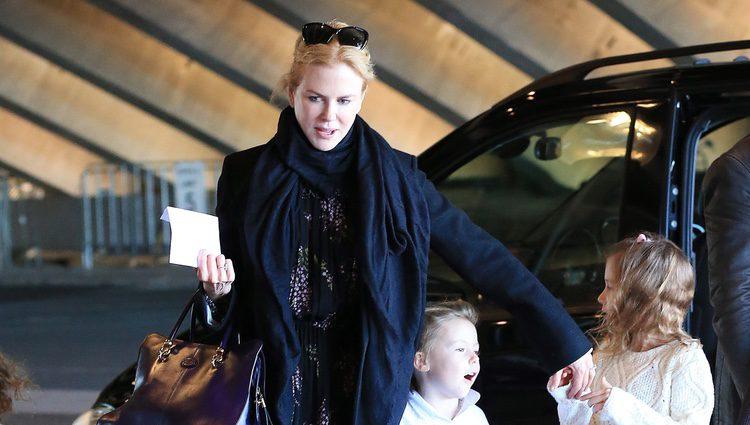 Nicole Kidman con sus hijas Sunday Rose y Faith Margaret