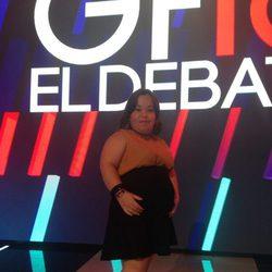 Chiqui luciendo embarazo en el debate de 'Gran Hermano 16'