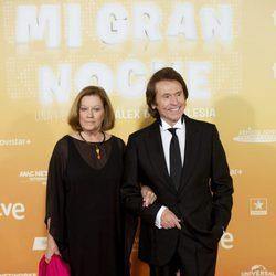 Raphael y su mujer Natalia Figueroa en el estreno de 'Mi gran noche'