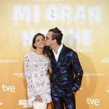 Macarena Gómez y su marido Aldo Comas en el estreno de 'Mi gran noche'