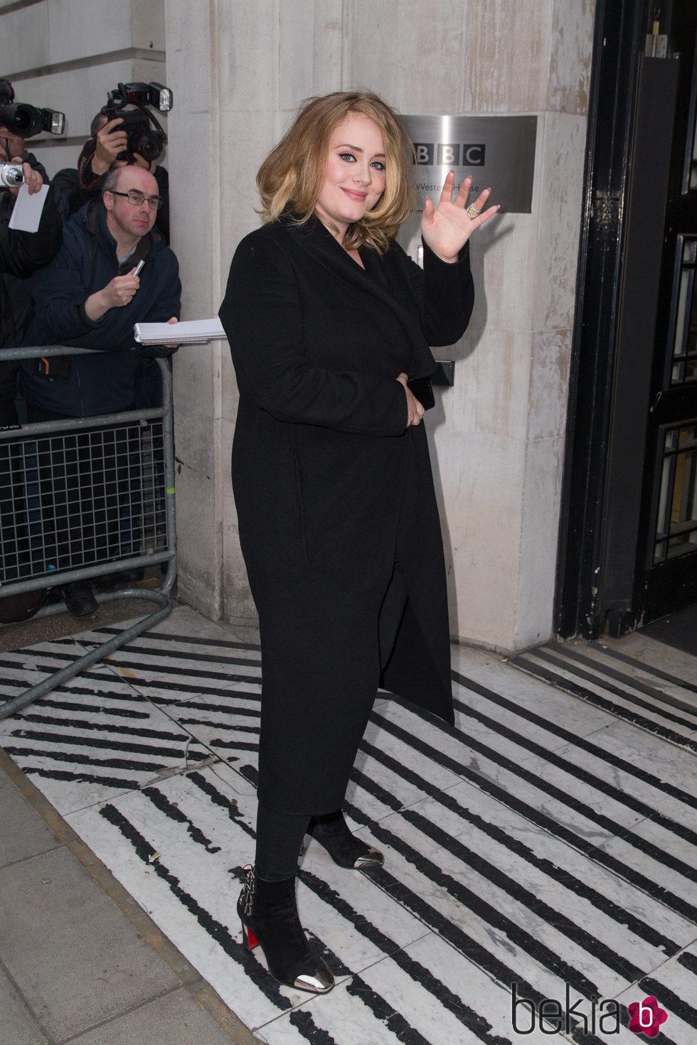 Primera aparición de Adele tras su drástica pérdida de peso