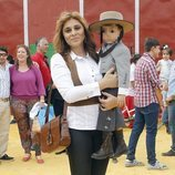 Ana María Aldón con su hijo Jose María en la vuelta a los ruedos de José Ortega Cano