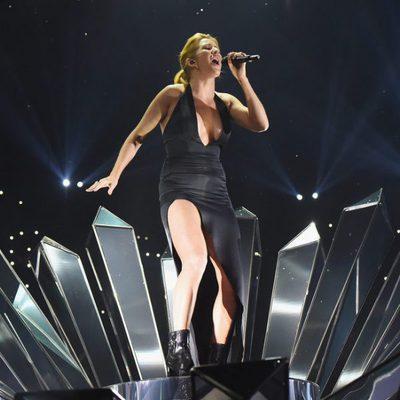 Ellie Goulding en su actuación en los MTV EMA 2015