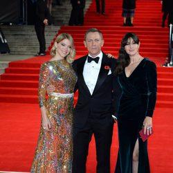 Léa Seydoux, Daniel Craig y Monica Bellucci en el estreno de 'Spectre' en Londres
