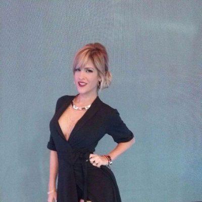 Ylenia, espectacular con un vestido escotado negro