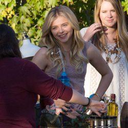 Chloe Moretz en el set de rodaje de 'Malditos Vecinos 2'