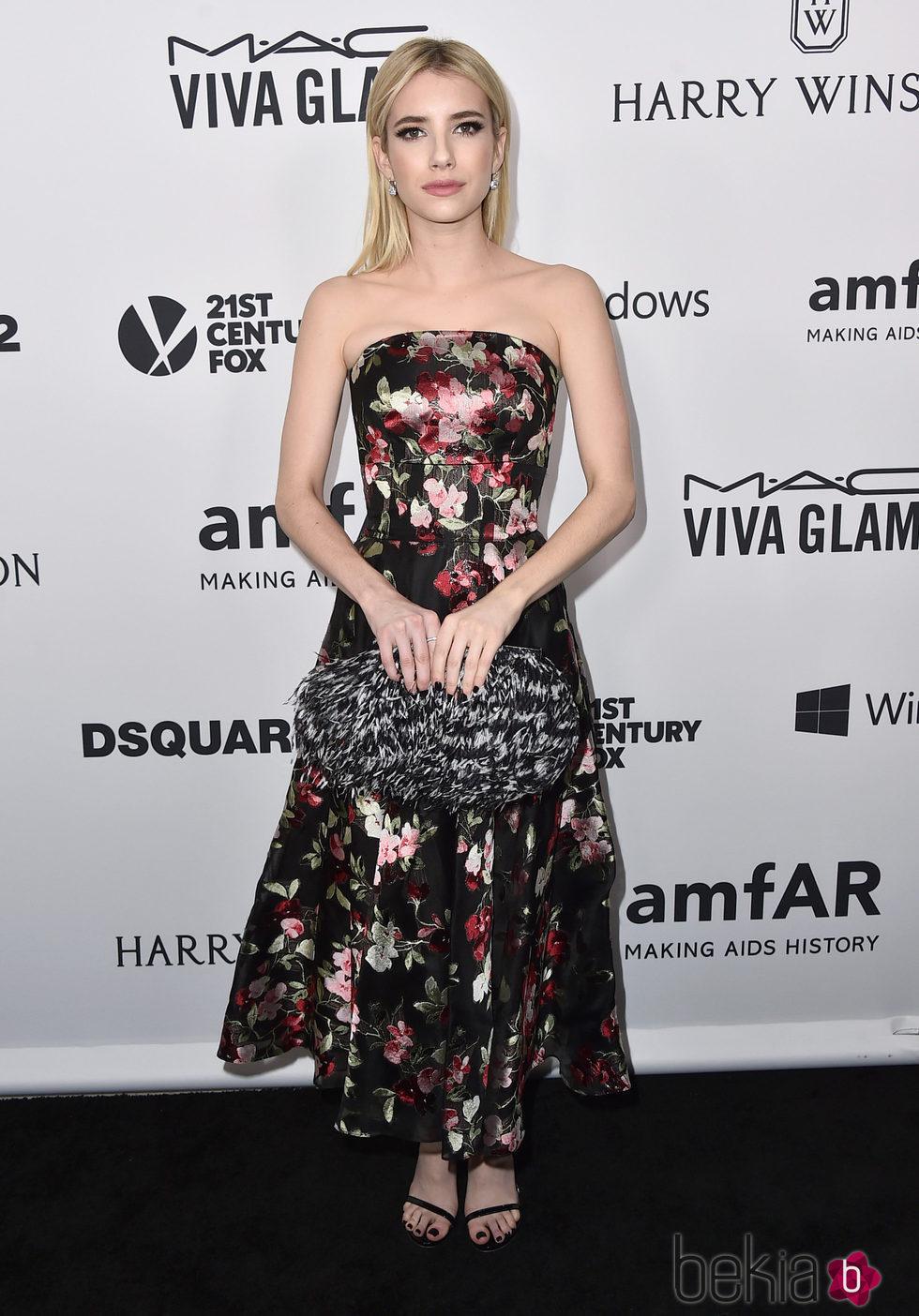 Emma Roberts en la Gala amfAR 2015 de Los Angeles