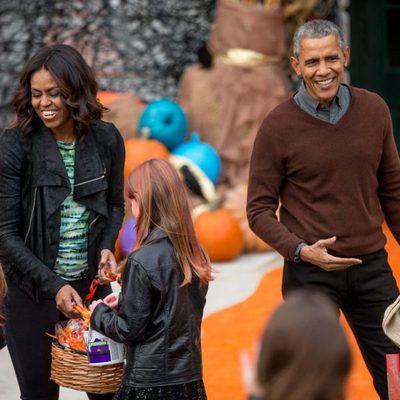 Barack y Michelle Obama celebrando su fiesta de Halloween 2015