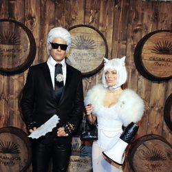 Fergie y Josh Duhamel disfrazados en la fiesta de Casamigos Tequila de Halloween 2015