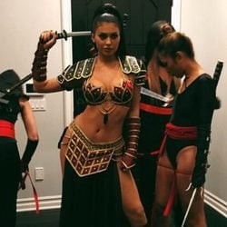 Kylie Jenner disfrazada de Xena la Princesa Guerrera en Halloween 2015