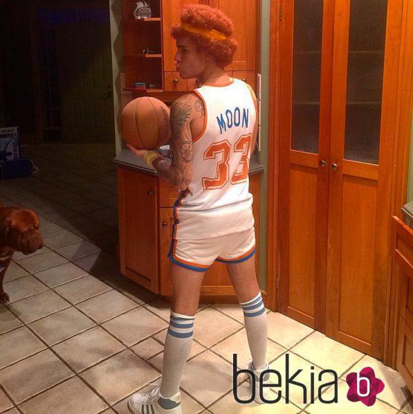 Justin Bieber disfrazado de Jackie Moon en Halloween 2015