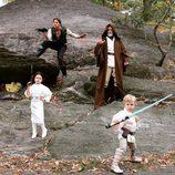 Neil Patrick Harris y David Burtka con sus hijos vestidos de 'Star Wars' por Halloween 2015