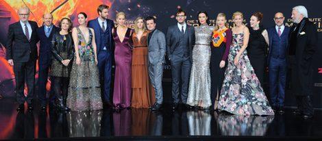El reparto de 'Los Juegos del Hambre: Sinsajo parte 2' en el estreno mundial en Berlín
