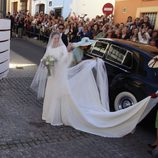 Eva González a su llegada a la Iglesia para casarse con Cayetano Rivera