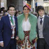 Pepe Rodríguez, Samantha Vallejo-Nágera y Jordi Cruz en la boda de Eva González y Cayetano Rivera