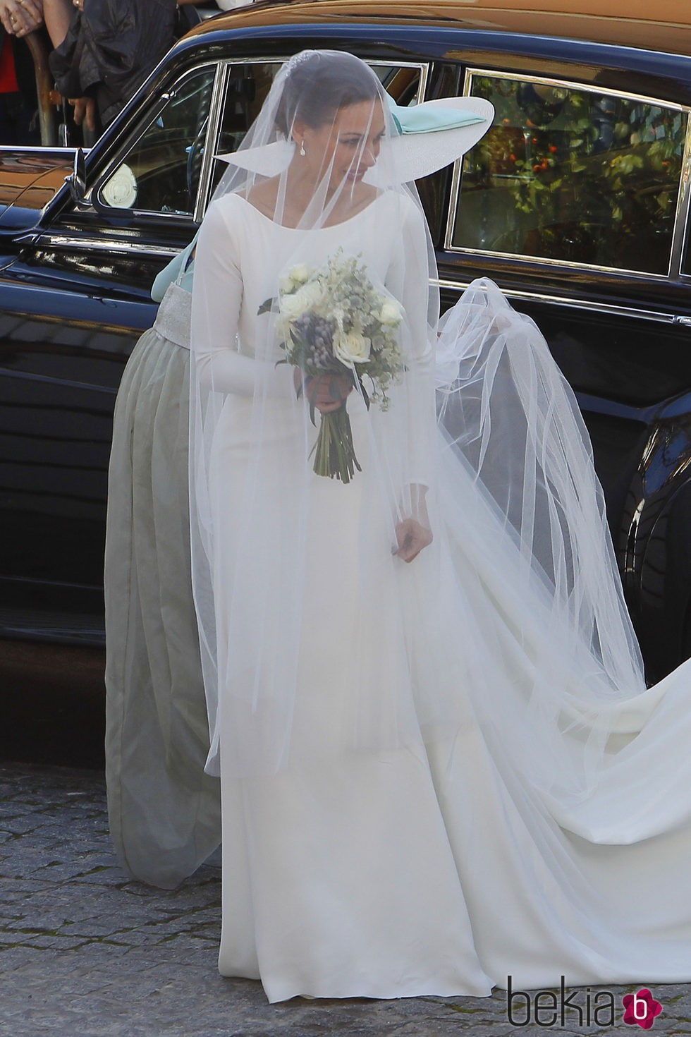Eva González llega a la Iglesia para casarse con Cayetano Rivera