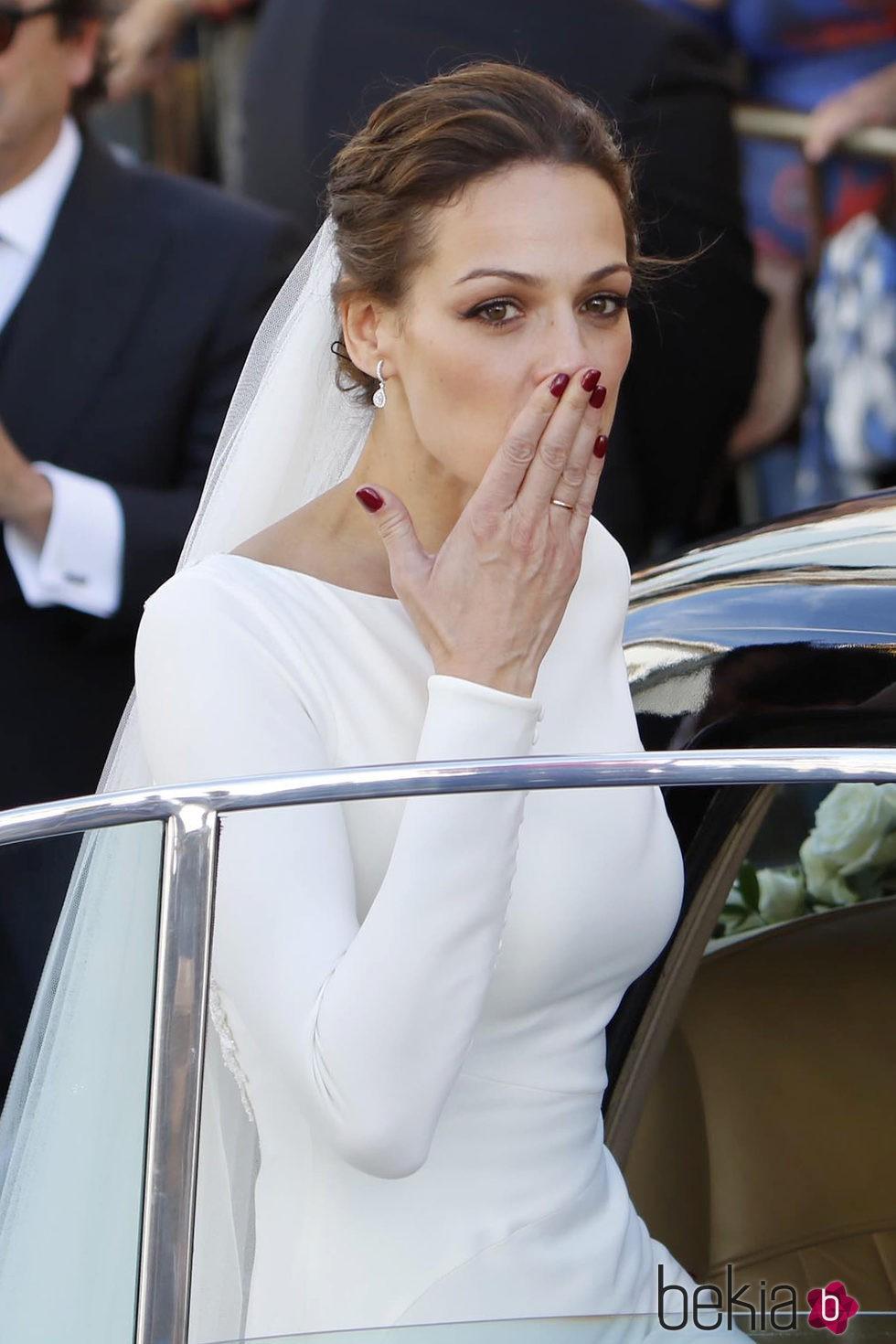 Eva González muy emocionada tras su boda con Cayetano Rivera