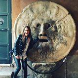 Paula Echevarría en la Boca de la Verdad de Roma