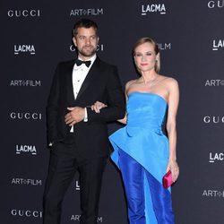 Diane Kruger y Joshua Jackson en la Gala LACMA 2015