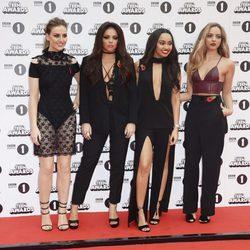 Little Mix en los Teen Awards 2015