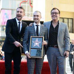 Daniel Radcliffe recibe su estrella en el Paseo de la Fama al lado de Chris Columbus y Chris Hardwick
