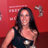 Malú en los Premios de la Música 2001