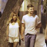 Chabelita Pantoja y Alejandro Albalá por las calles de Sevilla