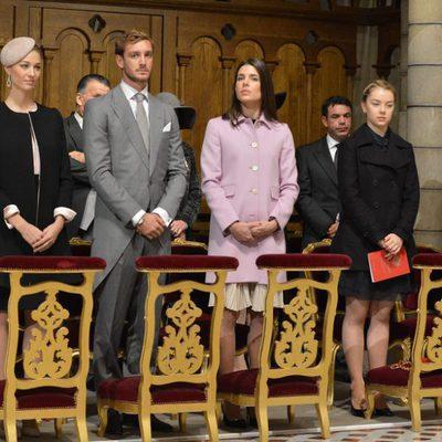 Beatrice Borromeo, Pierre Casiraghi, Carlota Casiraghi, Alexandra de Hannover y Louis Ducruet en el Día Nacional de Mónaco 2015